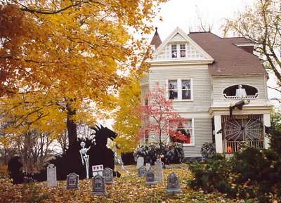 halloween decorated house - Houses Decorated For Halloween